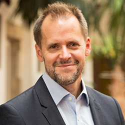 Dr. Zsuffa Ákos - Learning Innovation Kft. - FVSZ elnök